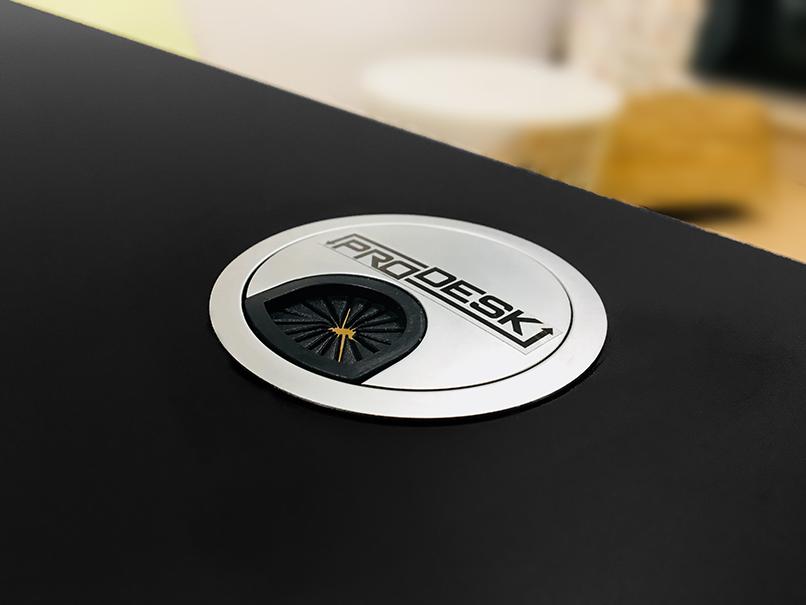 Prodesk е компания, създадена от и за хората, които водят заседнал начин на живот заради професиите си.